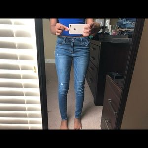 Slight Ripped Jeans